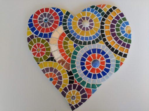 Mosaico Corazón de Color | Arte del Mosaico. Realizado de forma totalmente artesanal.